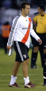 Cristian Fabbiani, un referente de la farandulización del fútbol.